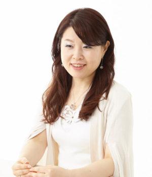 前田 彩優子<br>(まえだ さゆこ)
